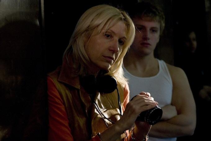 Linda Yellen on set