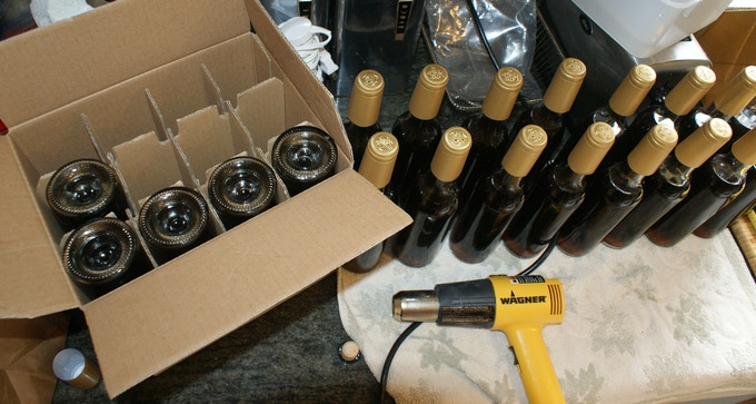 Bottling and sealing