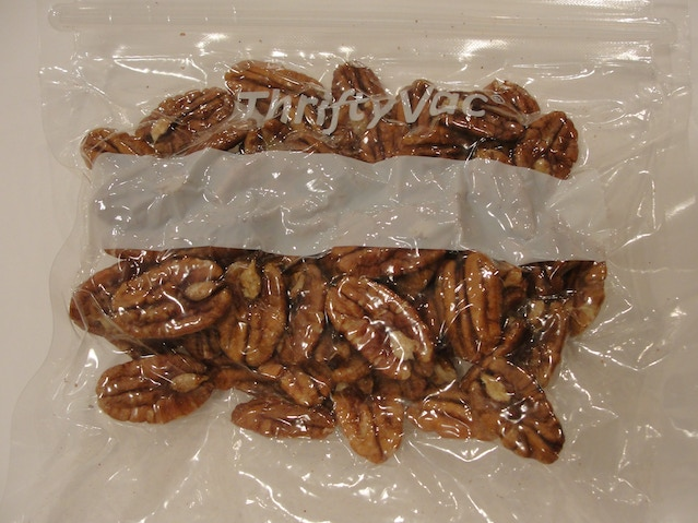 Pecans Vacuum Packed in ThriftyVac® TV2 Bag