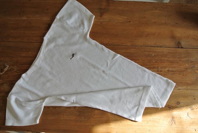 Wear an original Italian Navy t-shirt featuring the SIRENE logo. Men sizes.