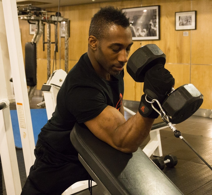 Preacher Style Hammer Curls With The Arazi Gloves