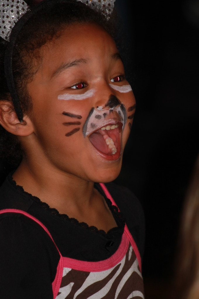 Little Girl AMAZED at The Party Animals Show
