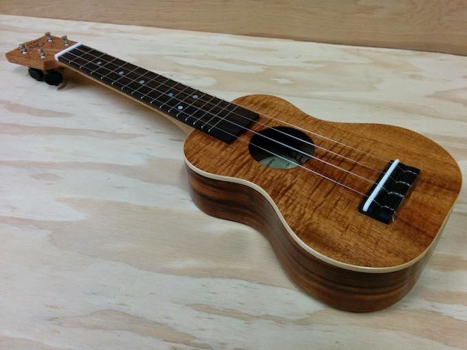 Ho'okani K2SL+ Premium curly Hawaiian Koa soprano long neck uke with binding