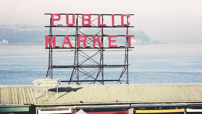 Pike Place Market. Photo by Fenixfyre.