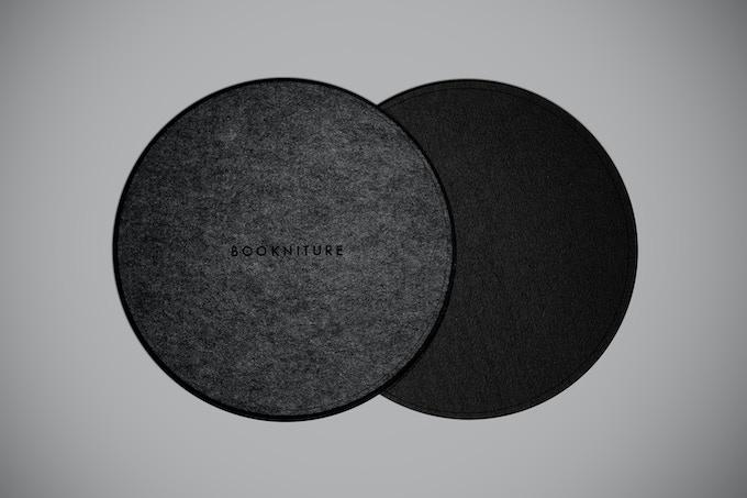 Dark grey / Black