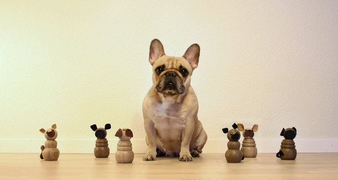 WOODEN PETS with their inspiration Fiona - the french bulldog