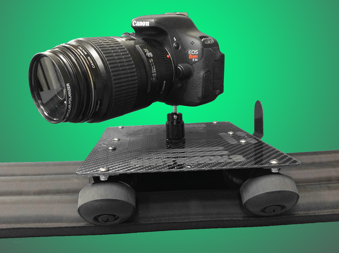 AirTracks Carbon can easily hold the heaviest DSLR style cameras