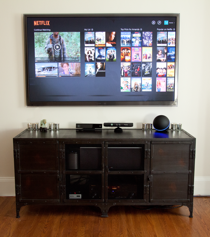The CastleHUB In Action, with the Netflix App Active