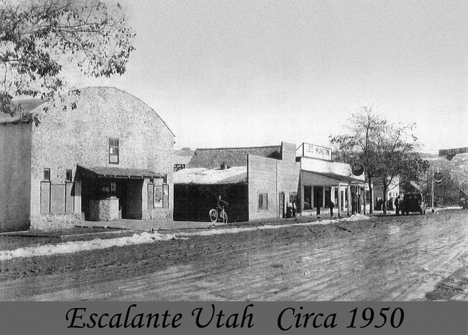 Historic Escalante Showhouse Print