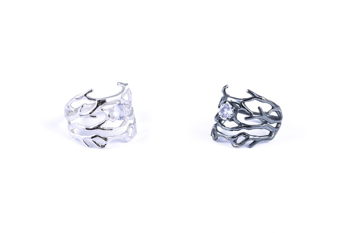 Purkinje rings set with faceted moonstone. Bright finish (left) or oxidised (right)