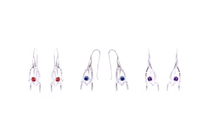 Spine earrings with orange and blue Sapphires or Amethysts