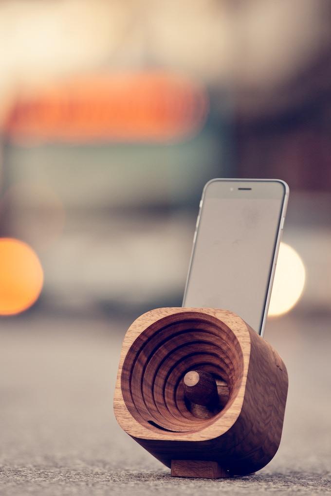 Walnut Trobla and iPhone 6