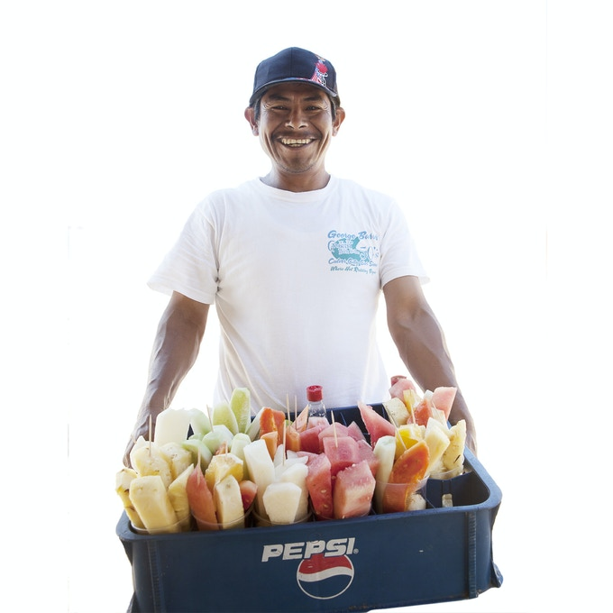¡Estas Como Mango! Magazine, Portrait of Street Vendor, Image by Fallen Fruit, March of 2015