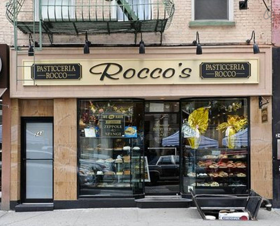 CAPPUCCINO & CANNOLI with Me at ROCCO'S ITALIAN PASTRY SHOP in GREENWICH VILLAGE