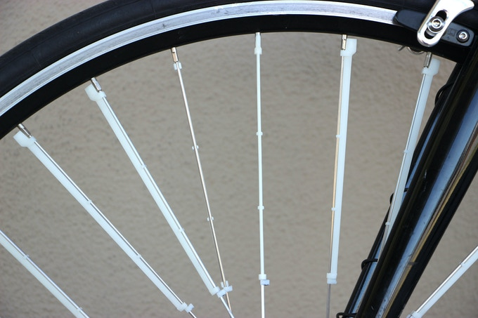 Spoke Fins are narrowly tapered, limited to about the width of standard 14 gauge spokes.