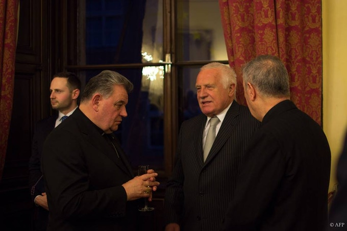 Even the former president of the Czech Republic and the archbishop of Prague made an appearance at the introductory ceremony of the Tiziano Vanitas exhibition. Who are you going to meet at the VIP Opening Ceremony?