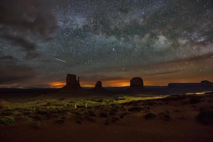 Monument Valley by Harun Mehmedinovic