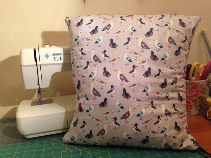 Build a nest with your own cushion!