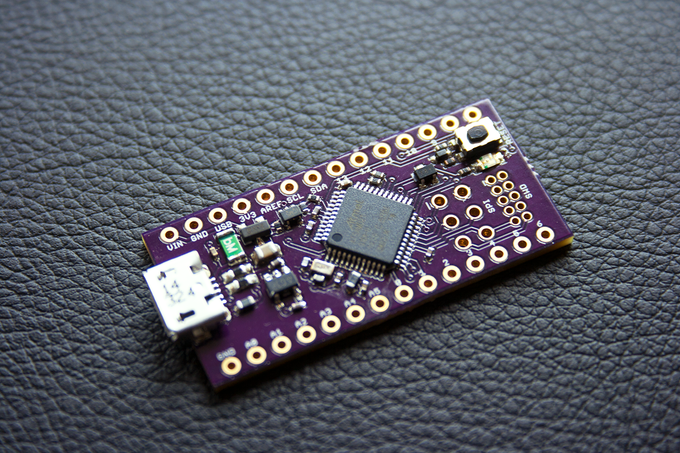 Neutrino the tiny bit arduino zero compatible by