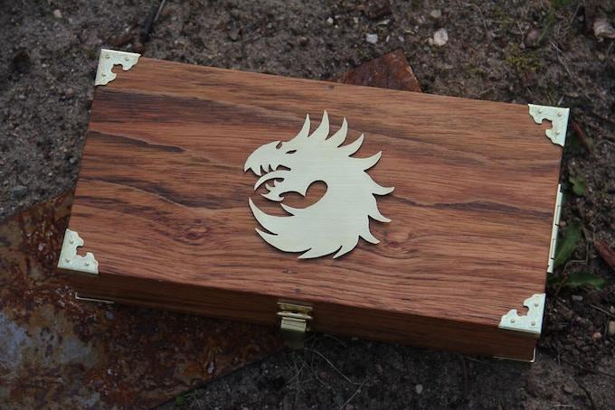 Premium Jatoba wood, Dragon 1 metal symbol in brass.