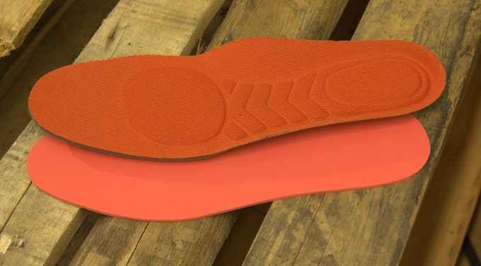 PORON® memory foam footbed and removable insole