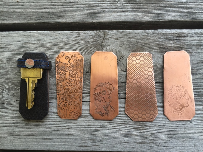 Flip Key with four options for the back