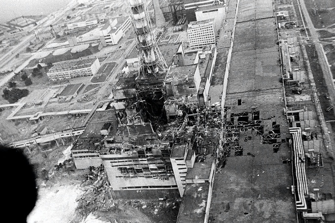 4th reactor of the Chernobyl Nuclear power Plant after the disaster. Archival photo