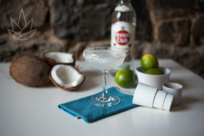 COCONUT DAIQUIRI   1-Coconut syrup / 2-Lime juice / 3-White rum / 4-Coconut water