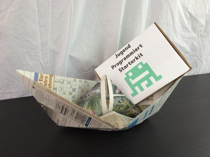 Falls uns irgendwann einmal die Papierboote ausgehen sollten, werden wir die Kits einfach mit der Post verschicken