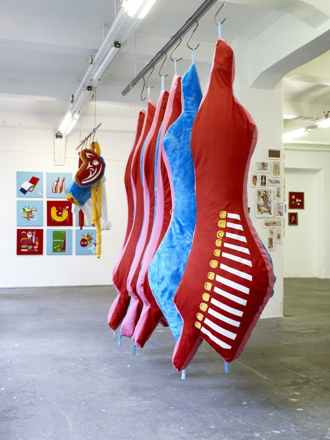 """""""CARNE - Fase vs. Doma"""" exhibition in 2009, Foto (c) Henryk Weiffenbach"""