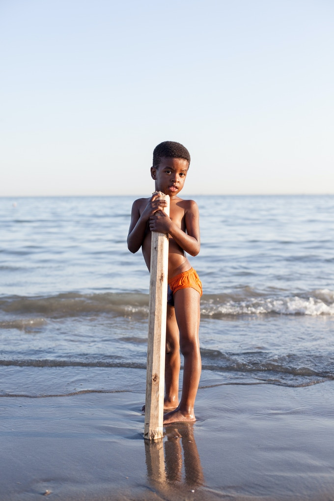 The Khaj-e-Ata Beach in Bandar Abbas (capital of Hormozgan) rests against the Persian Gulf. It is a popular place for inhabitants and tourists. Afternoons are filled with children playing on the beach.