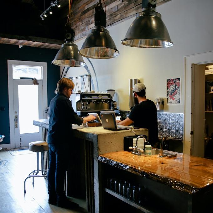 Sure Shot Coffee- inside Vardagen