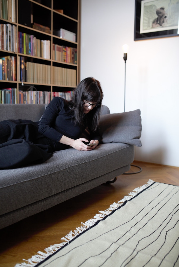 Lea and our BAJA kilim in size L.