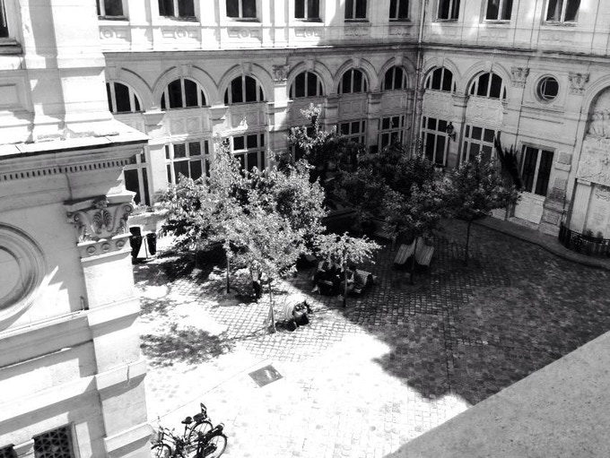 The courtyard of the townhall of the 4th district of Paris