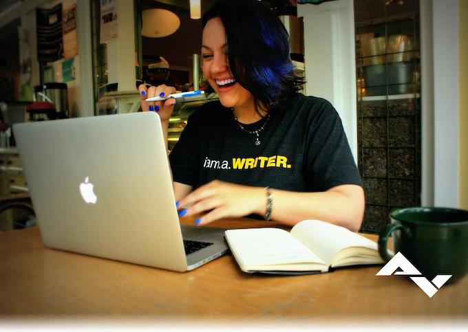 Lizzy - Writer
