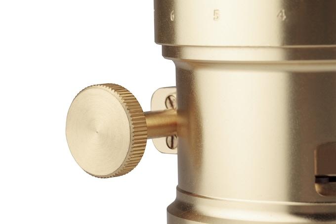 The Lens features a classic Gear Rack Focusing Mechanism