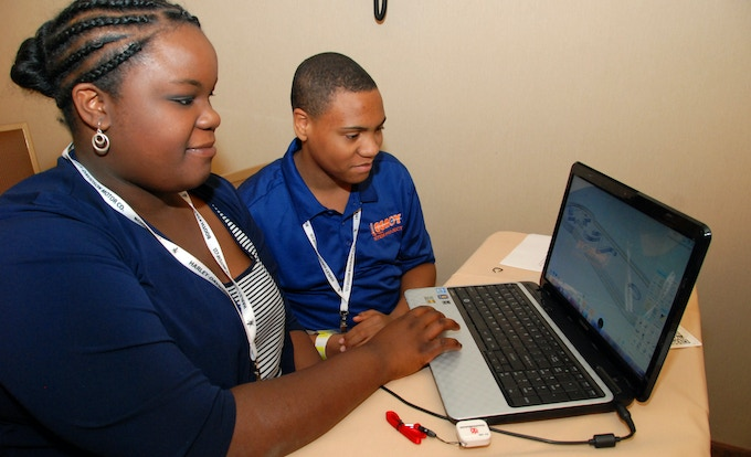 Students got a taste of the 3D ThinkLink experience in YouthQuest's workshops at the National Society of Black Engineers Convention in March.