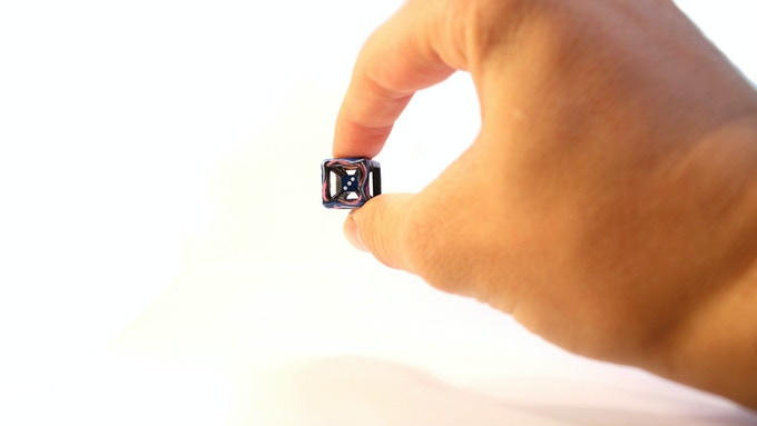 Holding the Wormhole Tesseract Die POV (16 mm die)