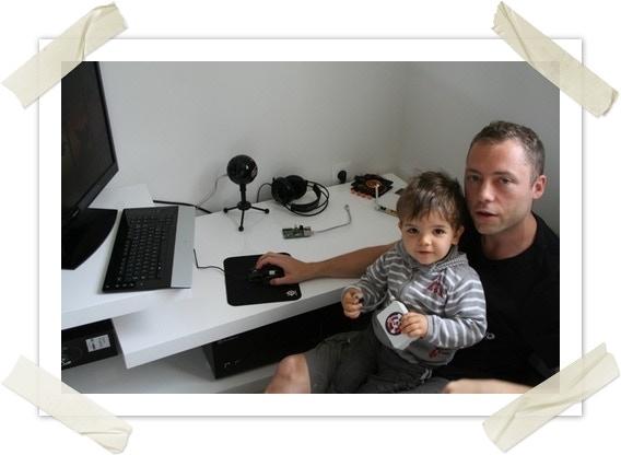 Gaël - En plein travail avec l'ingénieur en chef Léo