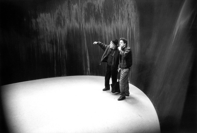 Philip Glass with Richard Serra at MOCA in Los Angeles, 1999 photo: Felsen, Sidney B.