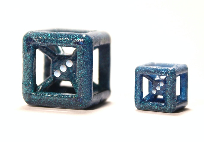 Mini Die (Available in Comet, Plasma and Red Giant) compared to standard Comet Die.