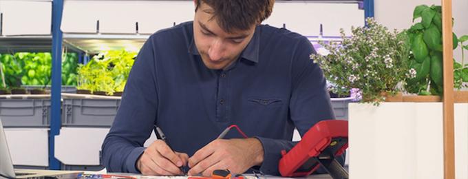 Jérôme working on Smart Lilo's embedded sensors.