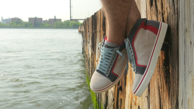 Hudson is a great option for summer time long beach walks. Goes great with linen and shorts