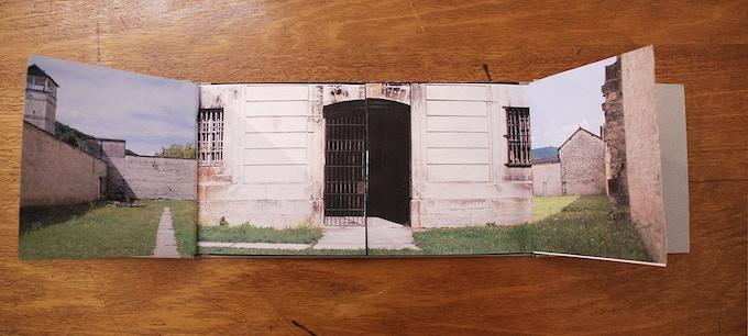 le livre ouvert (16x64cm)
