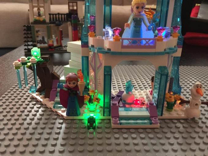Disney® Frozen Set with (6) Lit Brix from i-Brix