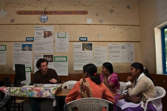 Aurangabad, India: Discussing flashcards with teachers