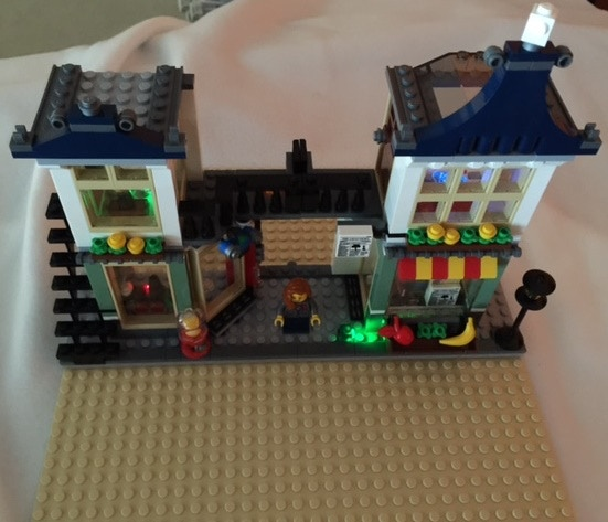 LEGO® Kit Featuring (5) Lit Brix from i-Brix!