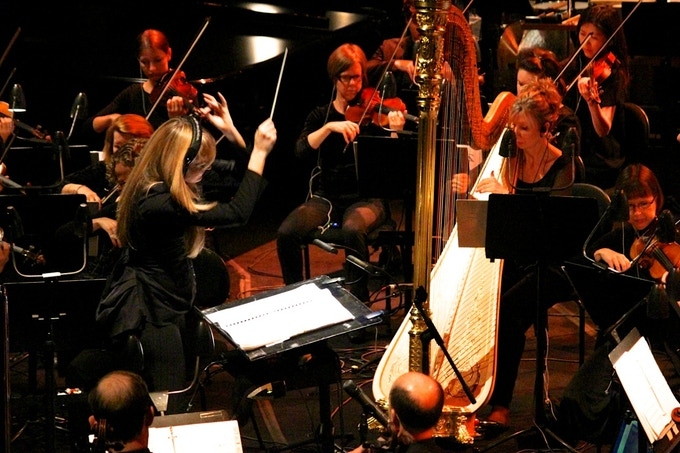 Eimear Noone conducting Zelda with the Sydney Symphony.