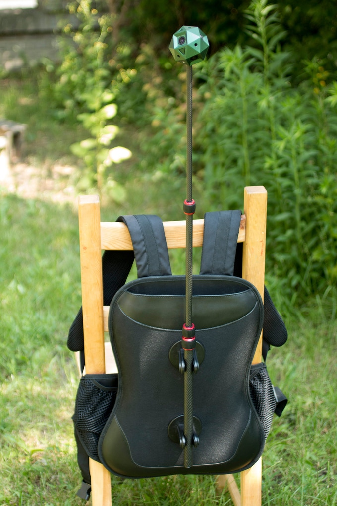 Use this handy backpack in combination with your monopod for walking tours, music festivals, while riding a bicycle or motorcycle or any kind of fully mobile experience.