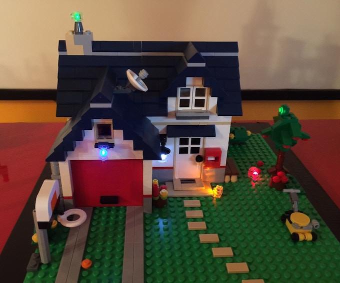 LEGO® Creator set with 6 Lit Brix from i-Brix